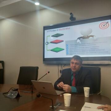 Наш институт посетил казахский ученый – профессор Р. Таиров
